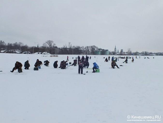 Соревнования по зимней ловле рыбы на мормышку прошли в Кинешме фото 6