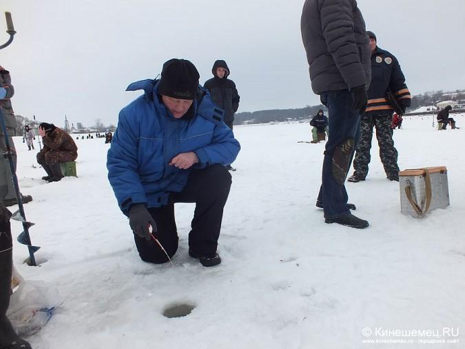 Соревнования по зимней ловле рыбы на мормышку прошли в Кинешме фото 13