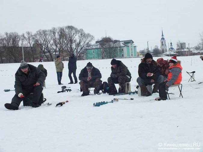 Соревнования по зимней ловле рыбы на мормышку прошли в Кинешме фото 22
