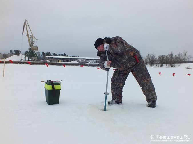 Соревнования по зимней ловле рыбы на мормышку прошли в Кинешме фото 11