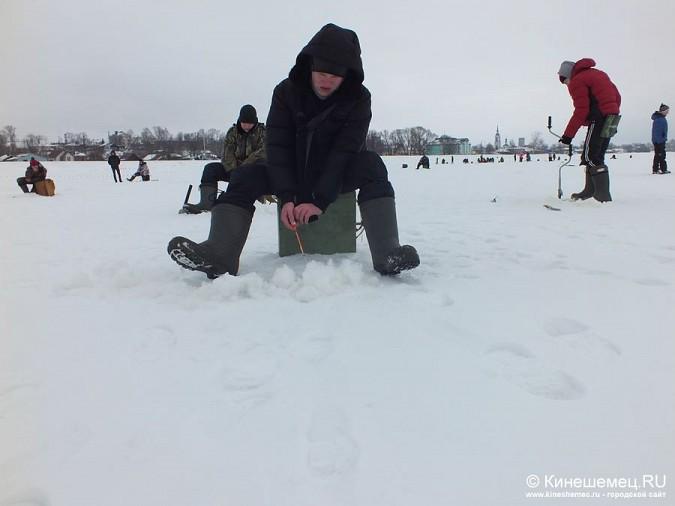 Соревнования по зимней ловле рыбы на мормышку прошли в Кинешме фото 9