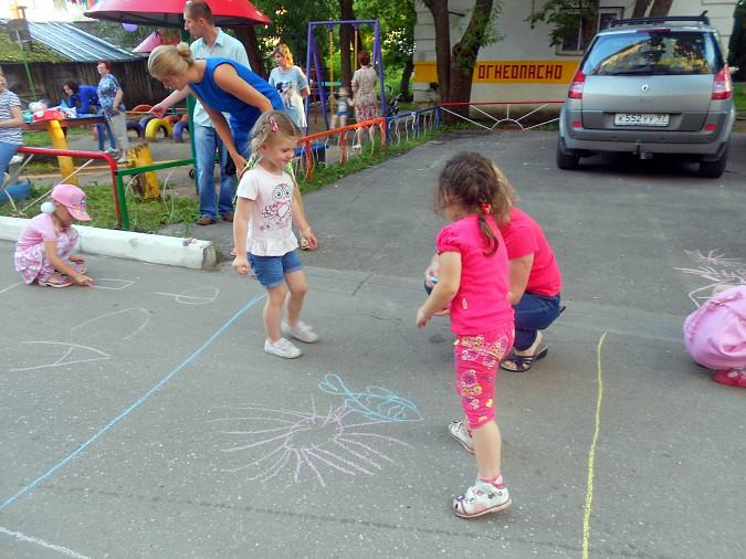 В микрорайоне «Поликор» прошел детский праздник фото 14
