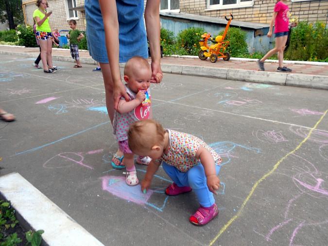 В микрорайоне «Поликор» прошел детский праздник фото 17