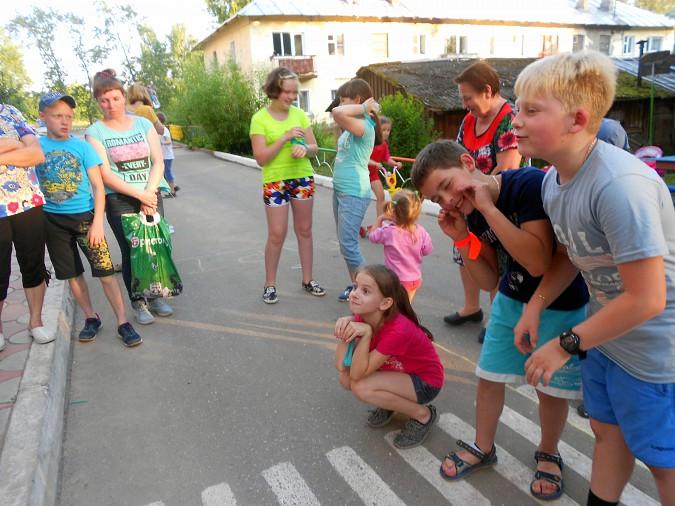 В микрорайоне «Поликор» прошел детский праздник фото 12