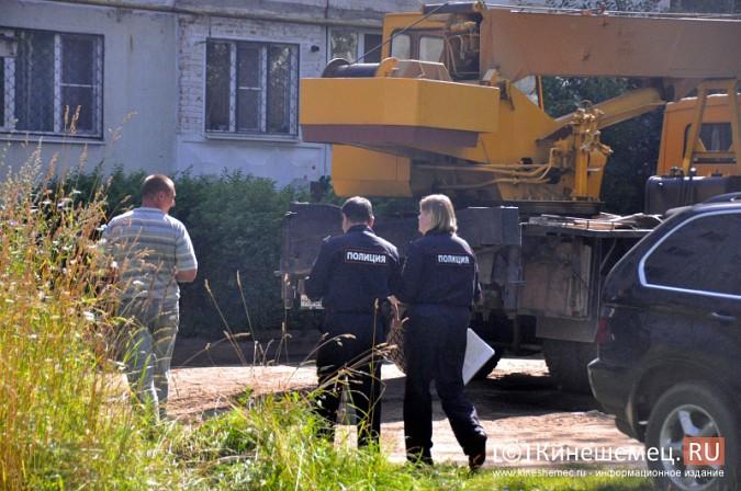 Кинешемцы напуганы ходом работ по реконструкции магазина на улице Маршала Василевского фото 8