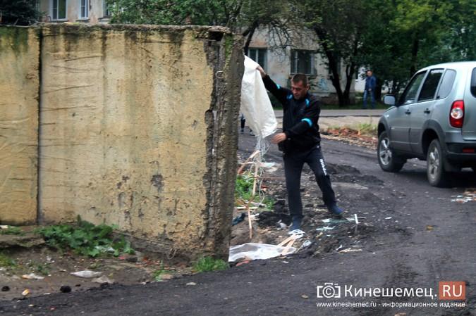 Два года жители добиваются обустройства контейнерной площадки на улице Воеводы Боборыкина фото 4