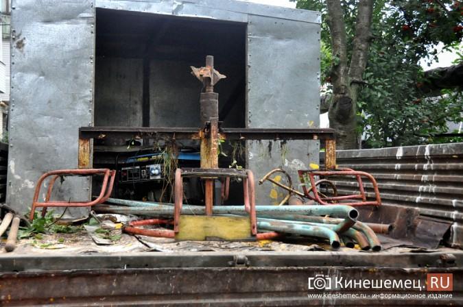 В Кинешме продолжается демонтаж аварийных детских площадок фото 2