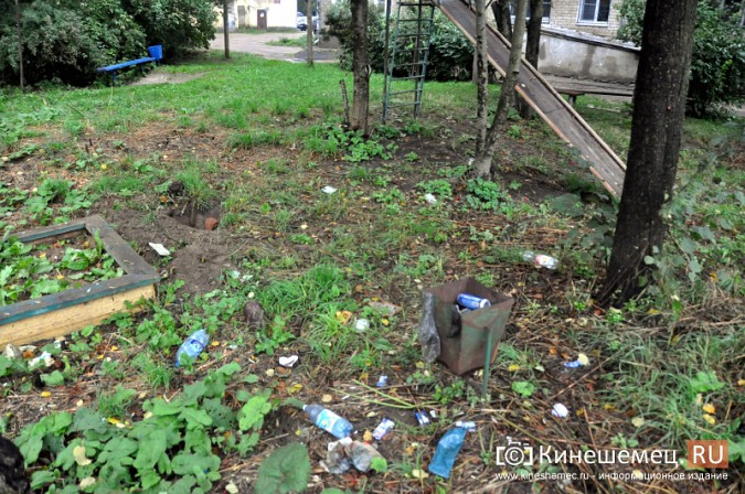 В Кинешме продолжается демонтаж аварийных детских площадок фото 5