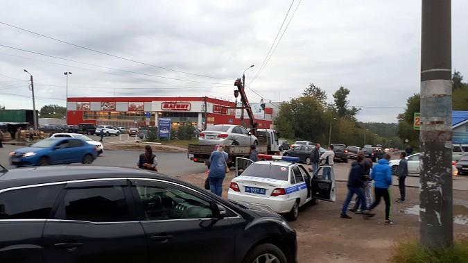 На пересечении улиц Сеченова и 50-летия Комсомола в Кинешме произошло массовое ДТП фото 11