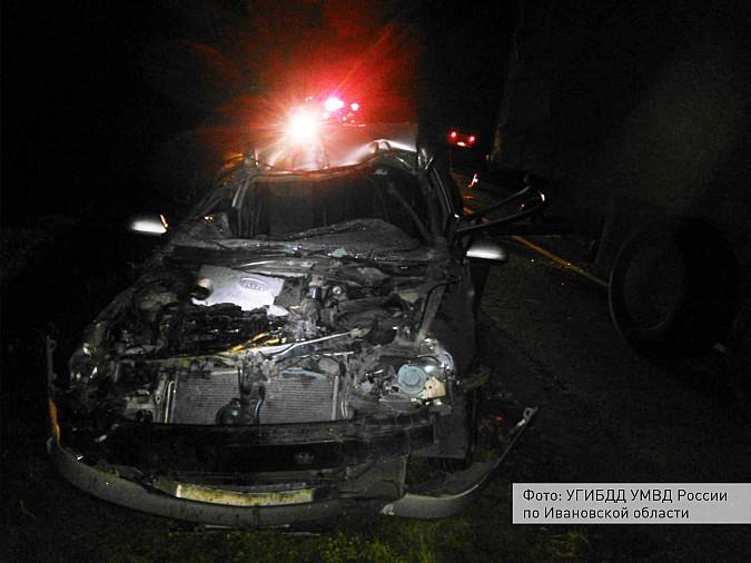 В Ивановской области девушка на легковушке врезалась в грузовик «MAN» фото 2