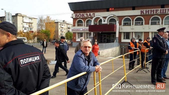 Поезд Жириновского заехал в кинешемский тупик фото 3