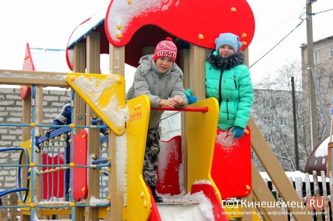 В Кинешме торжественно открыли детский городок на улице Менделеева фото 3