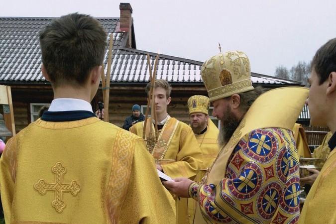 В новом кинешемском храме освятили колокола фото 5