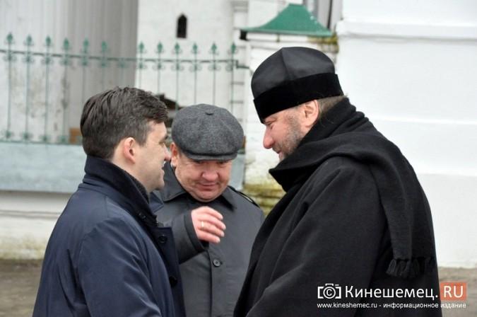 Станислав Воскресенский прогулялся по Волжскому бульвару фото 12