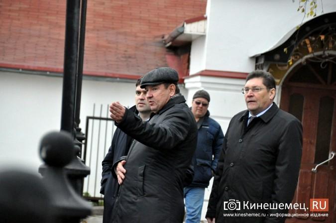 Станислав Воскресенский прогулялся по Волжскому бульвару фото 8