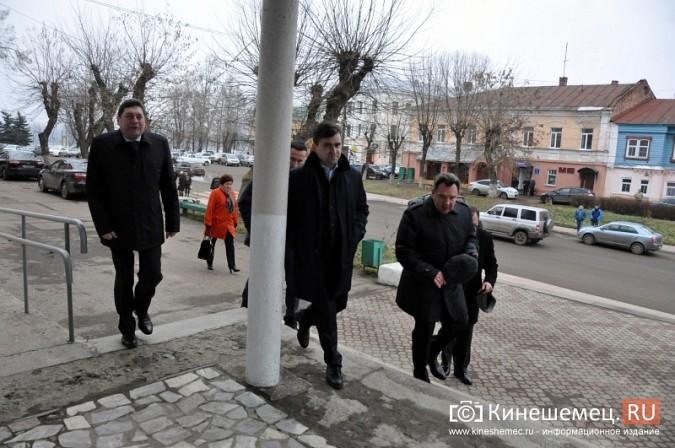 Станислав Воскресенский прогулялся по Волжскому бульвару фото 23