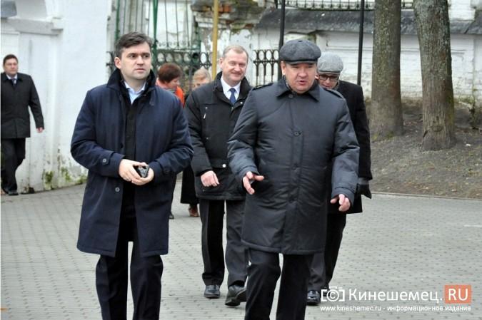 Станислав Воскресенский прогулялся по Волжскому бульвару фото 6