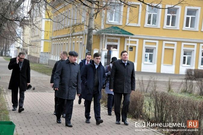 Станислав Воскресенский прогулялся по Волжскому бульвару фото 18