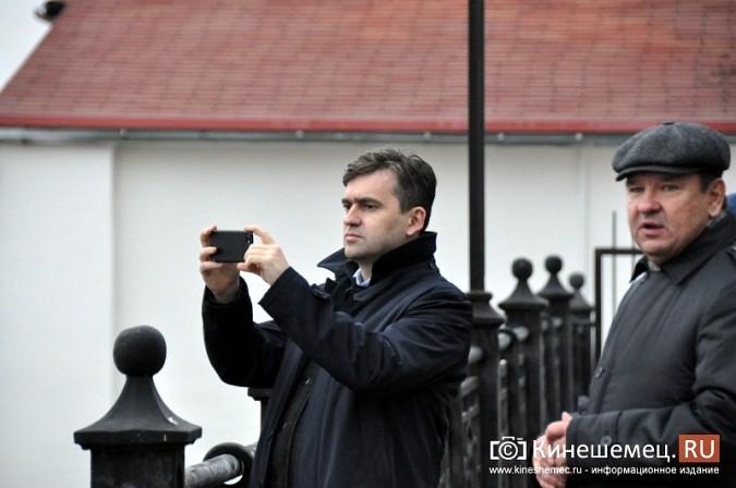 Станислав Воскресенский прогулялся по Волжскому бульвару фото 7