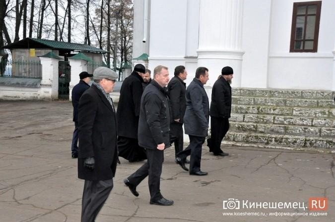 Станислав Воскресенский прогулялся по Волжскому бульвару фото 14