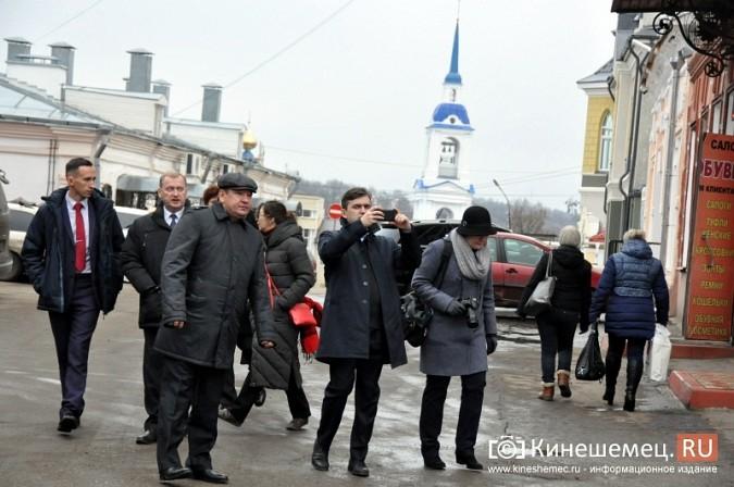 Станислав Воскресенский прогулялся по Волжскому бульвару фото 2