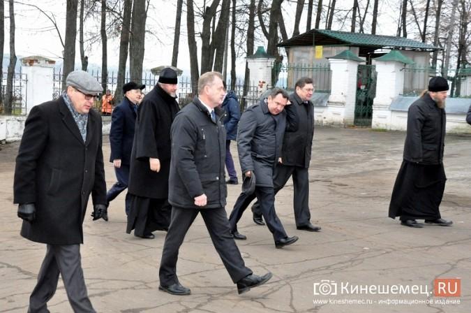 Станислав Воскресенский прогулялся по Волжскому бульвару фото 13
