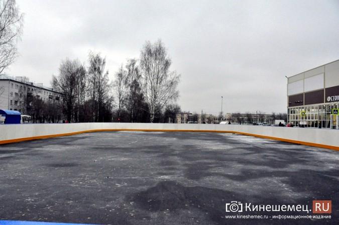 В Кинешме установили хоккейную коробку фото 8