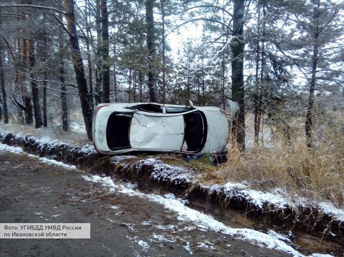 В Ивановской области опрокинулся автомобиль фото 2