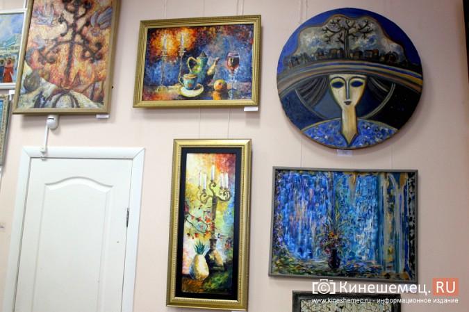 «Яркие краски холодной зимы» засияли в кинешемском художественном салоне фото 9