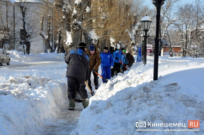 Кинешемские единороссы взяли в руки лопаты фото 19