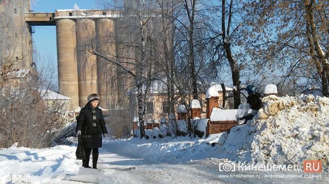 Снегоход разъезжал по тротуарам Кинешмы фото 4