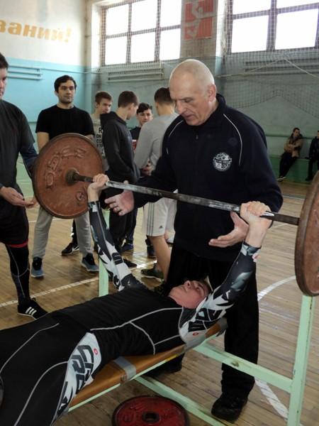 В Кинешме прошел турнир по русскому жиму в честь 100-летия Красной Армии фото 6