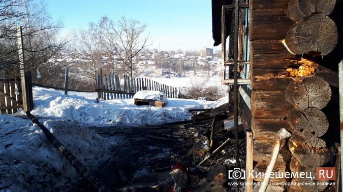 В Кинешме на улице Индустриальной сгорел дом фото 6
