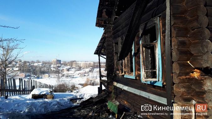 В Кинешме на улице Индустриальной сгорел дом фото 4