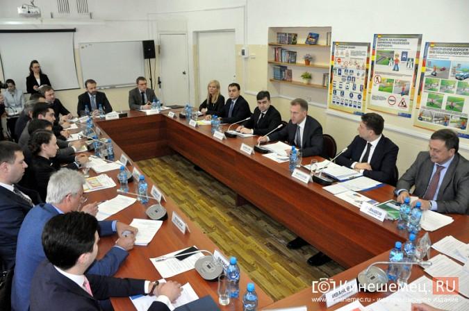 На вице-премьера Игоря Шувалова произвели впечатление Наволоки и резиденты будущего ТОСЭР фото 18