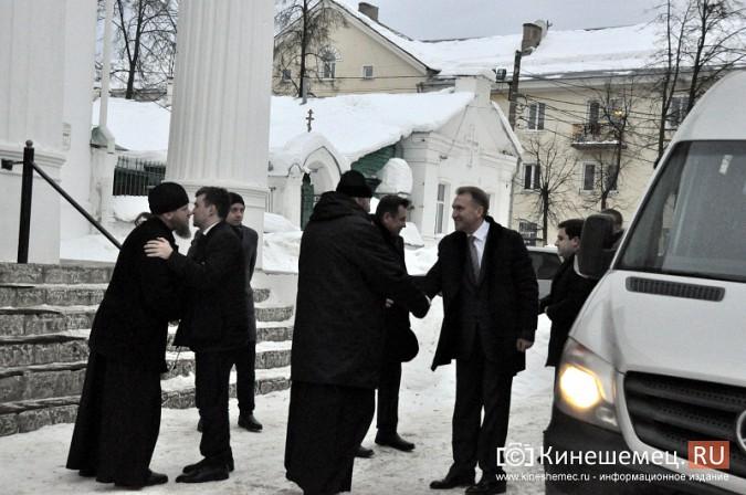 Станислав Воскресенский показал вице-премьеру России Игорю Шувалову Кинешму фото 2