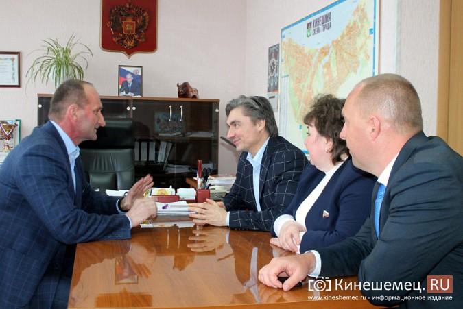 Депутат государственной думы от ЛДПР познакомился с Михаилом Батиным фото 3
