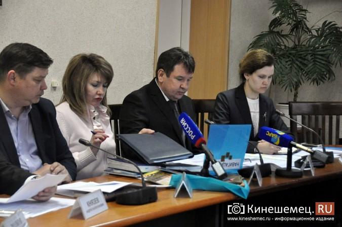 Станиславу Воскресенскому рассказали о 90% готовности Кинешмы к навигации фото 17