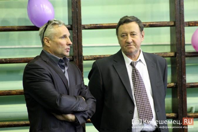 Николай Васильевич Кузинов (справа)