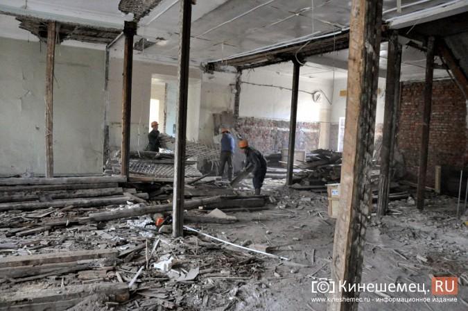 Станислав Воскресенский попросил начать ремонт поликлиники имени Захаровой с туалетов фото 5