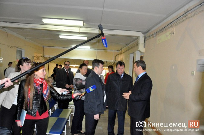 Станислав Воскресенский попросил начать ремонт поликлиники имени Захаровой с туалетов фото 7