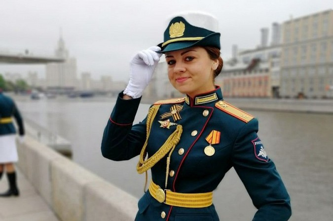 Кинешемка Анна Куюзова промаршировала по Красной площади фото 5