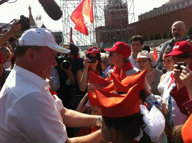 Группу кинешемских школьников примут в пионеры на Красной площади фото 2