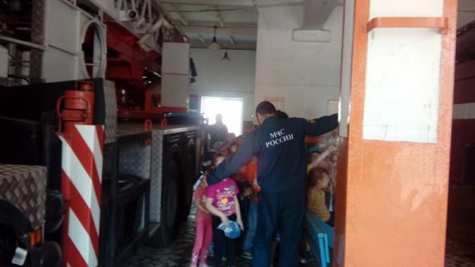 Маленькие кинешемцы побывали в пожарной части фото 3