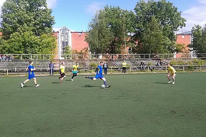 Кинешемские медики сыграли в футбол фото 9