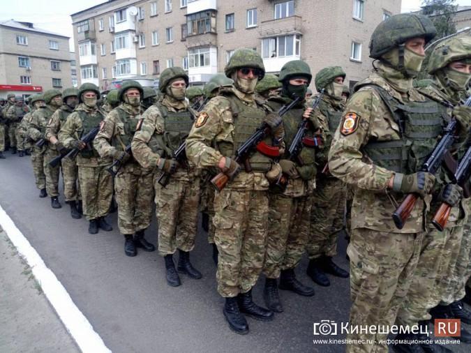 Житель Кинешмы побывал на военном параде в Донецкой республике фото 6
