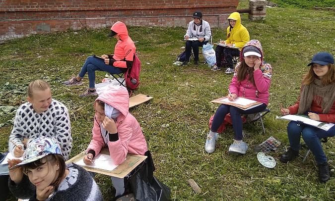 Юные художники Кинешмы выехали на этюды в Решму фото 2