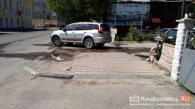 Центр Кинешмы заливает фекалиями из канализационных сетей фото 2
