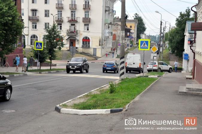 Автомобили из центра Кинешмы начали убирать эвакуатором фото 6
