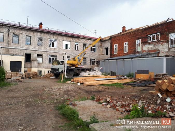 Поликлинику имени Захаровой ремонтируют почти в круглосуточном режиме фото 6